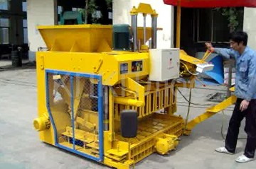 Оборудование: пресс, станок, для изготовления кирпича, плитки тротуарной, блоков, лего-кирпича, декоративных элементов.